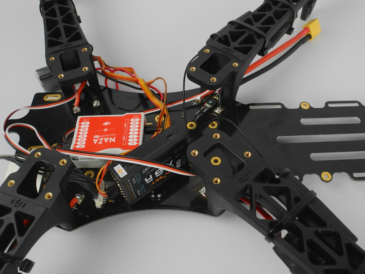X8R placement inside the frame | FPV blog
